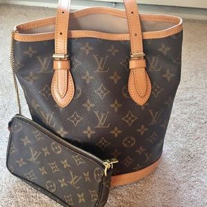 Louis Vuitton bucket bag (POUCH NOT INCLUDED)